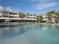 Lagoon pool with sandy beach - Peppers Salt Resort & Spa Kingscliff